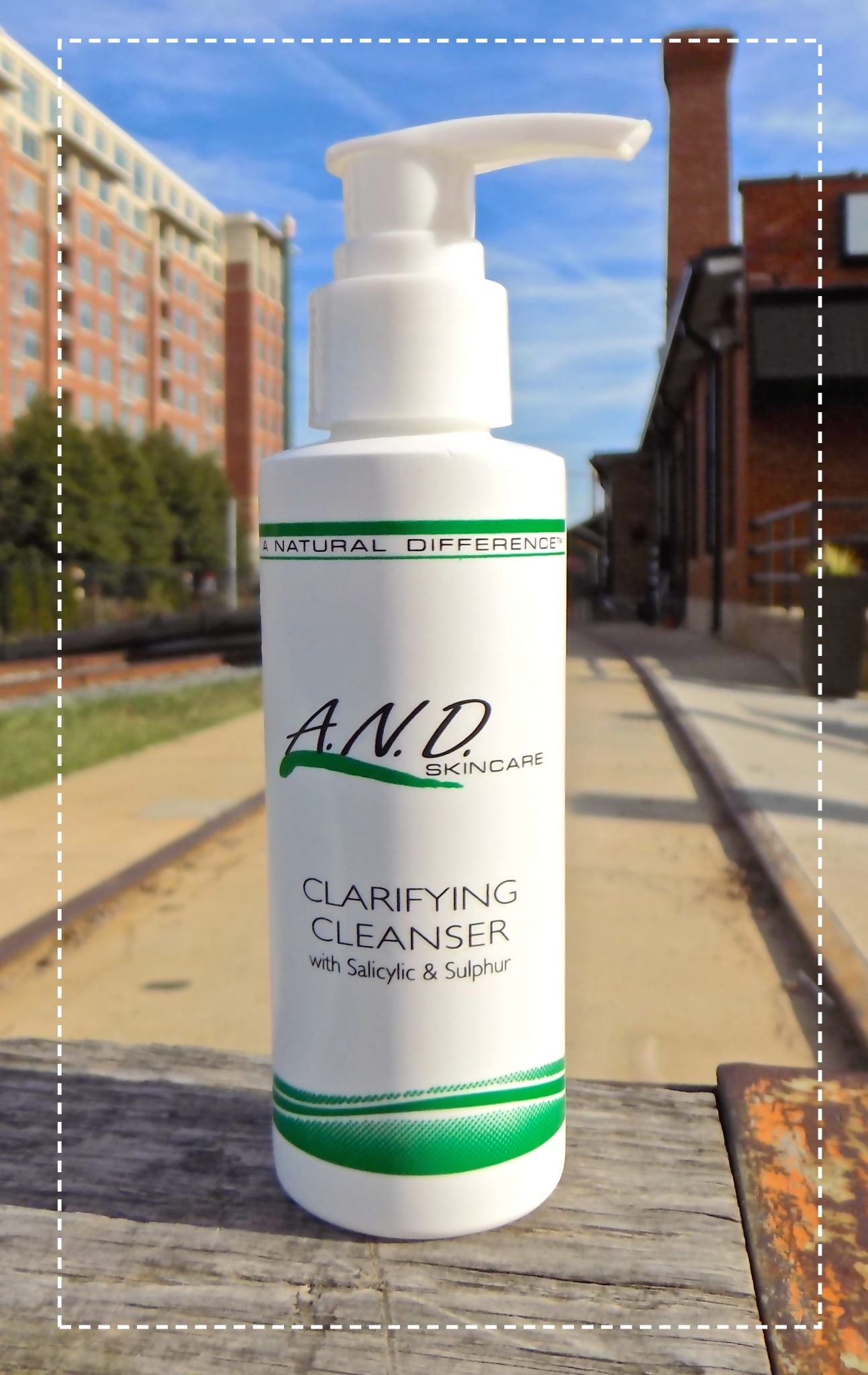 Clarifying Cleanser with Salicylic & Sulphur
